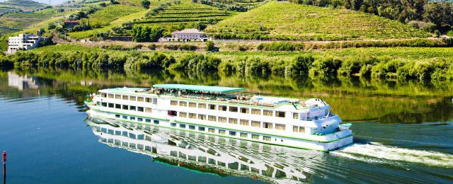 dest_86_douro-river-ss55160155_640x260_mobhdr